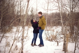 Winter Engagement Photo | Calgary Wedding Photographers | Carlin Anquist Photography
