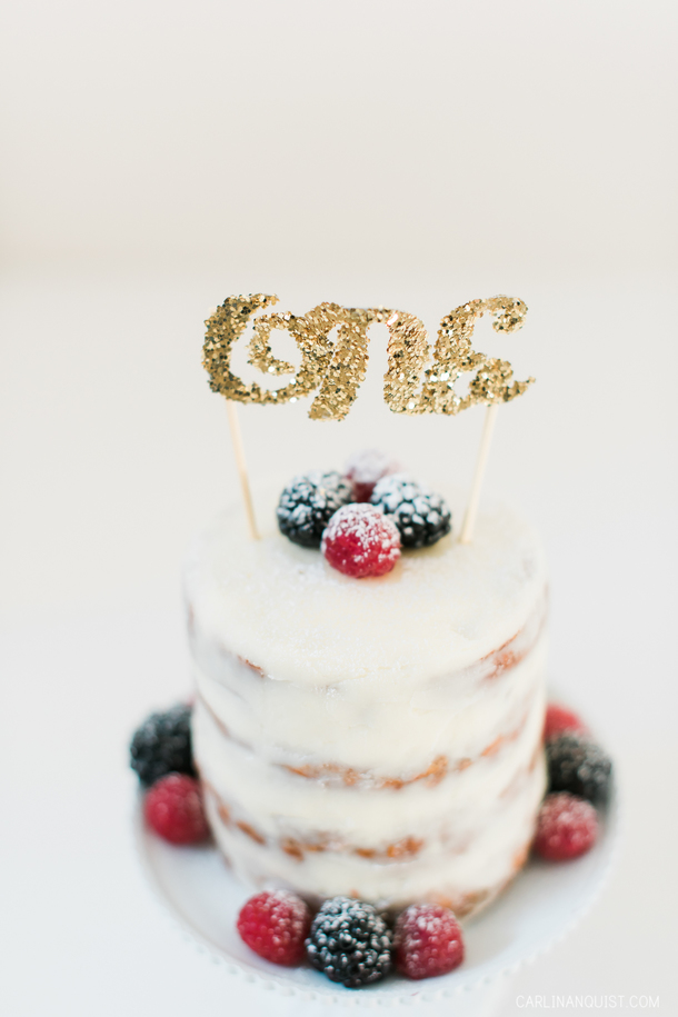 1 year Cake Smash | Naked Cake with Berries | Calgary Children